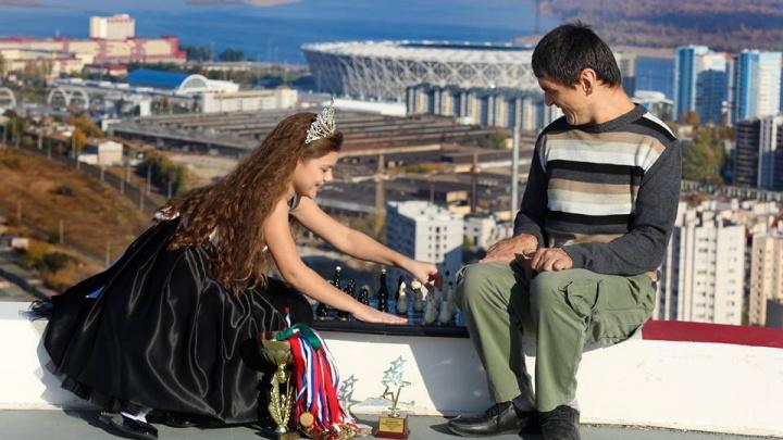 «Вместе с миром»: в Волгограде встретятся знаменитости и инвалиды — герои фотосессий на крыше