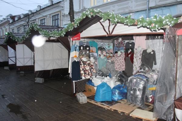Палатки на центральной улице удивили ярославцев