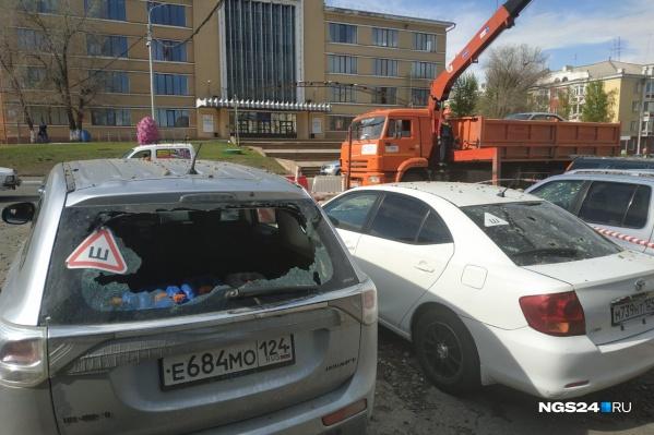 Оказались повреждены 7 машин