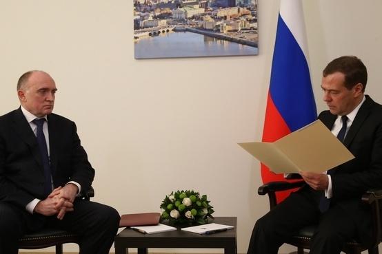 Дмитрий Медведев детально изучил отчёт губернатора Дубровского о подготовке к саммитам ШОС и БРИКС