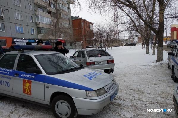 Мужчина не растерялся и вызвал сотрудников ОСБ на место