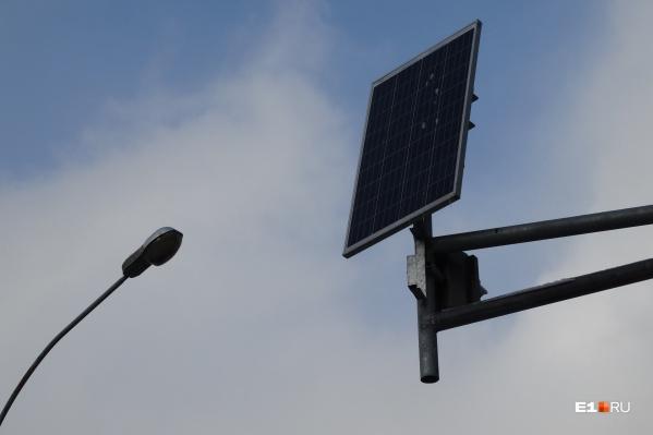 Из-за холода и недостатка света солнечные батареи оказались неспособны поддерживать работу фонарей