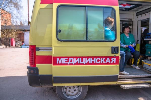 Сотрудники скорой помощи направили пострадавшего в больницу