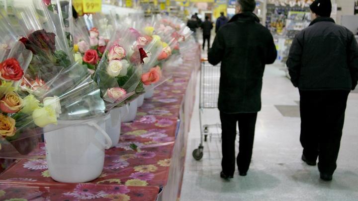 Полицейскиезадержали голубоглазого грабителя цветочного салона