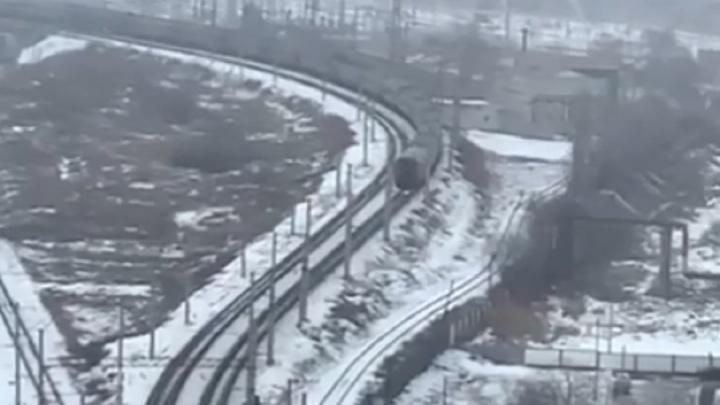 Сообщил во все службы: в Волгограде заискрился вагон пассажирского поезда