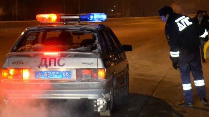 На Химмаше водитель иномарки насмерть сбил девушку, которая переходила дорогу в неположенном месте