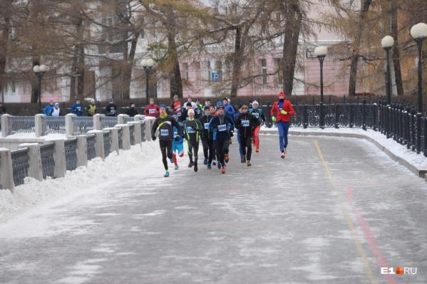 Сегодня тысячи бегунов заполонят центр Екатеринбурга