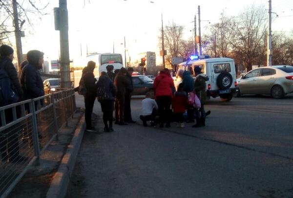 На юге Волгограда молодого мужчину сбили на несуществующем пешеходном переходе
