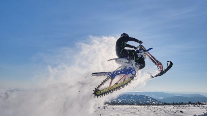 В Шерегеше впервые устроят гонку на снегоходах и сноубайках: призовой фонд — 200 000 рублей