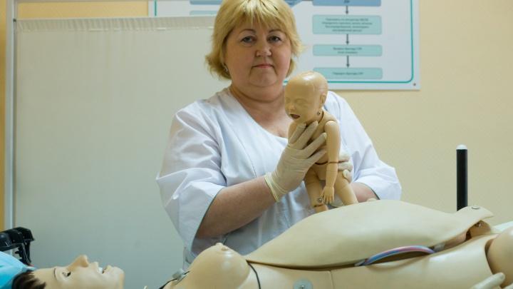 «Акушеры были в противочумных костюмах»: как в Екатеринбурге впервые принимали роды у женщины с ВИЧ