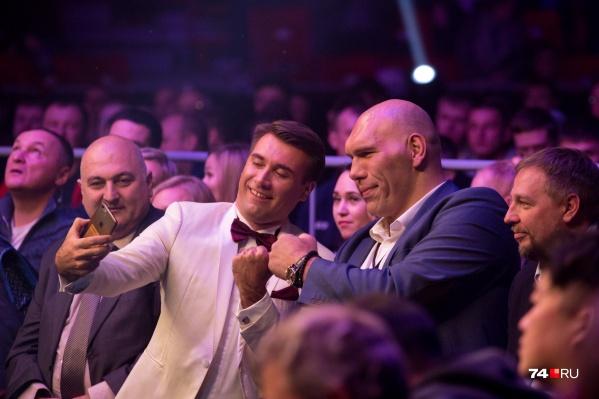 Николай Валуев — прославленный боксёр. Пожалуй, мериться с ним кулаками можно только ради смеха