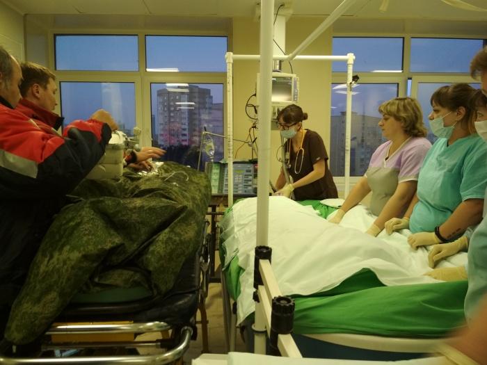 Елену Осипову в больницу доставили вертолётом Центра медицины катастроф