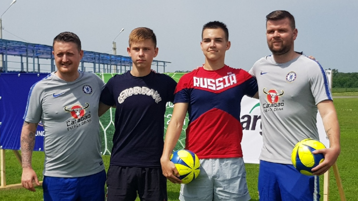 Тренеры «Челси» научили большому футболу волгоградских мальчишек