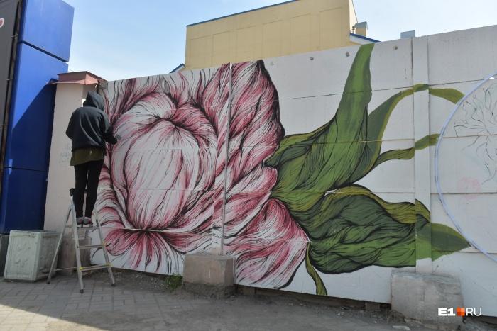 Всего «Стенограффия» подарила Екатеринбургу десять новых арт-объектов