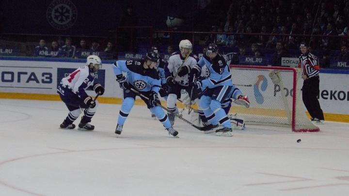 Хоккей: «Сибирь» проиграла нижегородскому «Торпедо»