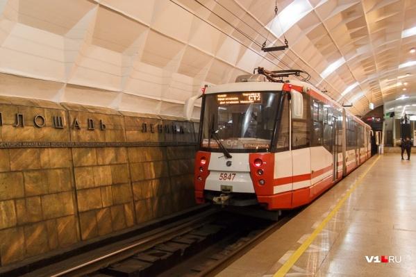 Электроподъемник появится на одной из шести подземных станций скоростного трамвая