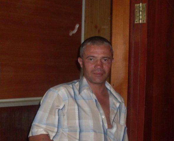 Родственники Эдуарда Боровикова, которому было 46 лет, уверены — он остался бы жив, если бы в больнице была сыворотка