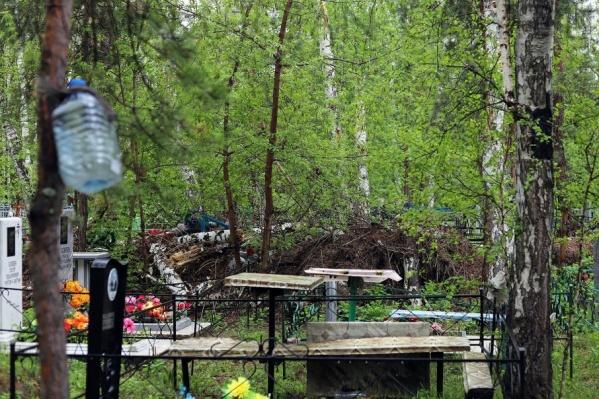 На кладбище в микрорайоне Глинки планируется установить ограждение
