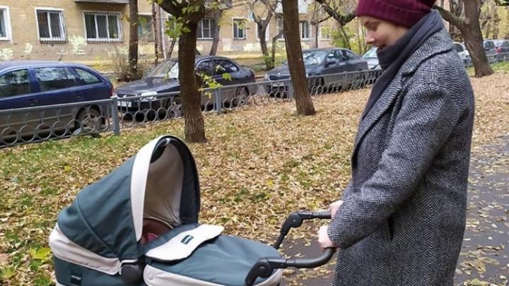 «Заставили вспомнить все маты и изобрести парочку новых»: колонка молодой мамы о жуткой бюрократии