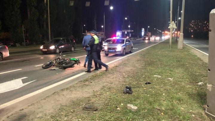 «От удара перелетел на другую проезжую часть»:страшное ДТП с участием мотоциклиста глазами очевидца