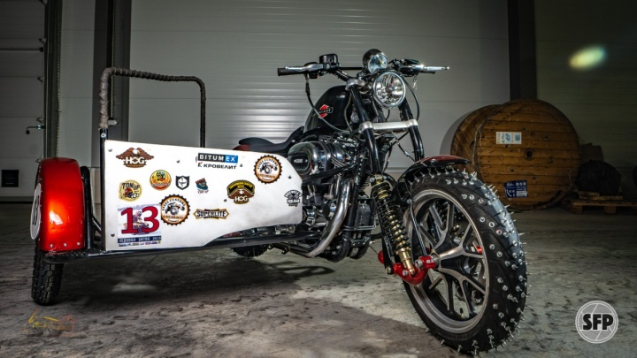 Уральцы создали на базе «Харлея» гоночный мотоцикл, который сможет ездить по льду: показываем фото