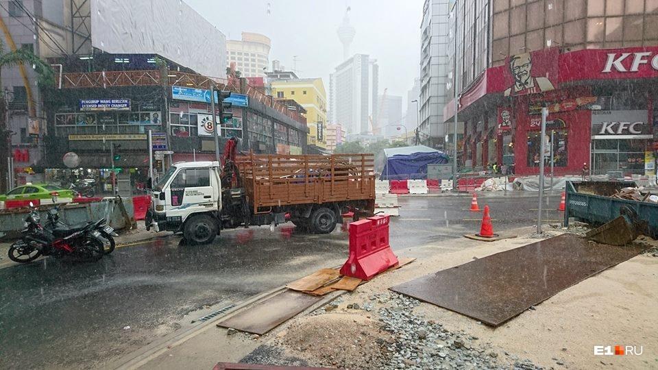 Дождик в Малайзии. Легкий дождик