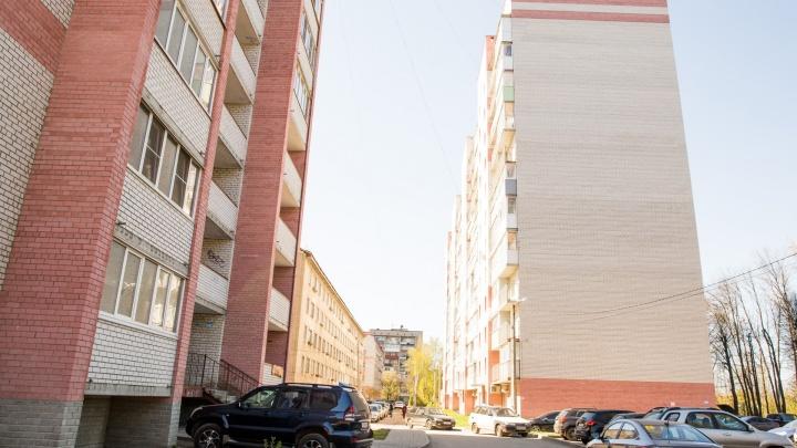 В Ярославле 13-летняя девочка выжила, упав с девятого этажа