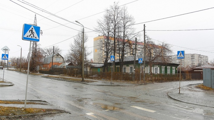 Погода не позволяет: разметку на дорогах Челябинска пообещали обновить в мае