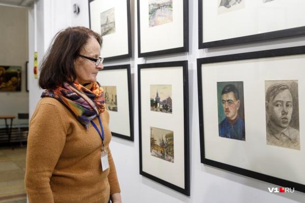 Среди городских зарисовок выделяются и портреты волгоградцев 50-х