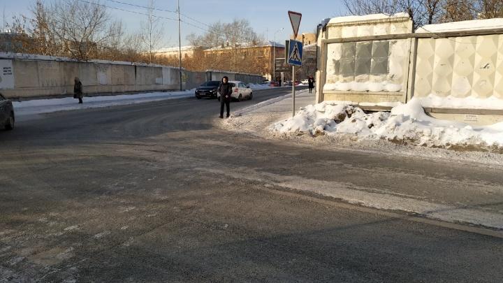 На Советской иномарка сбила 75-летнего пьяного пенсионера