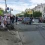 В Челябинске автомобиль въехал в трамвайную остановку, есть пострадавшие