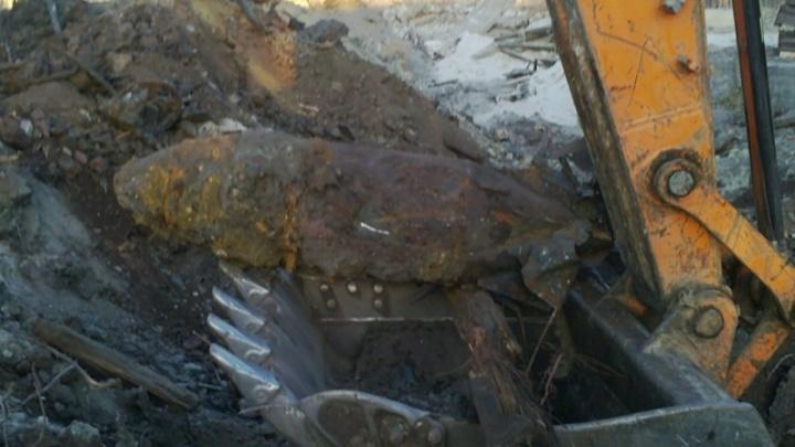 В Волгограде на тракторном заводе обнаружили 250-килограммовую авиабомбу