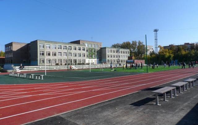 Арматура «зашла» в голову: в Екатеринбурге школьник погиб после падения на стадионе