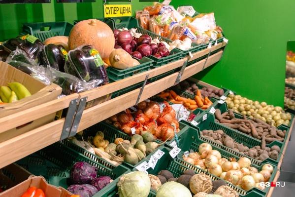 Даже овощи, которые растут в нашей полосе, могут купить не все самарцы