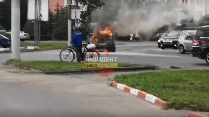 На улице Лизы Чайкиной во время движения загорелась «Газель»