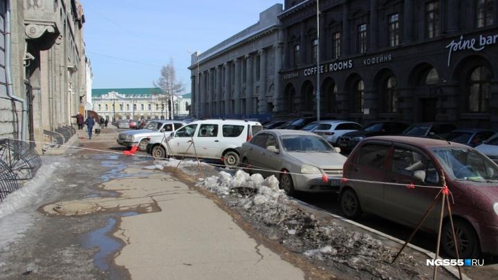 18-летний омич, на которого упала глыба льда, начал ходить