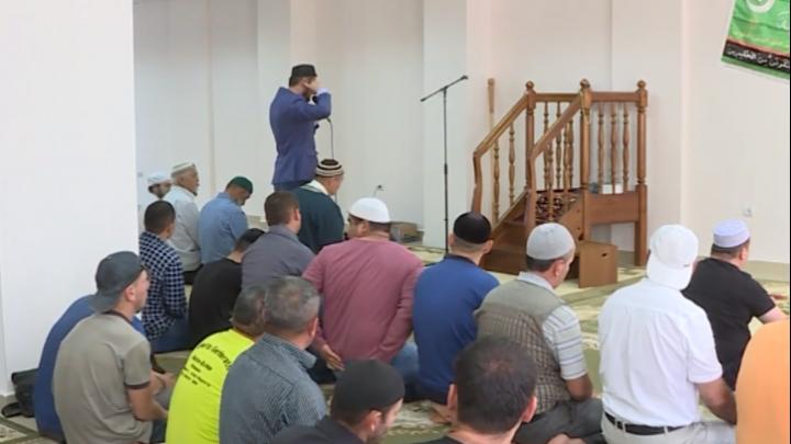 «До пятого этажа слышно»: уфимцы пожаловались на мечеть в жилой высотке