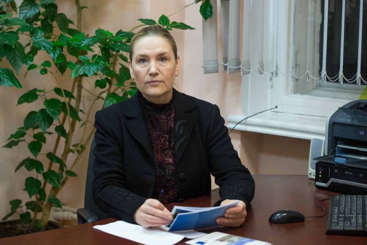 Елена Лаврова уверяет, что в 90-е годы не было такого развала, как сейчас