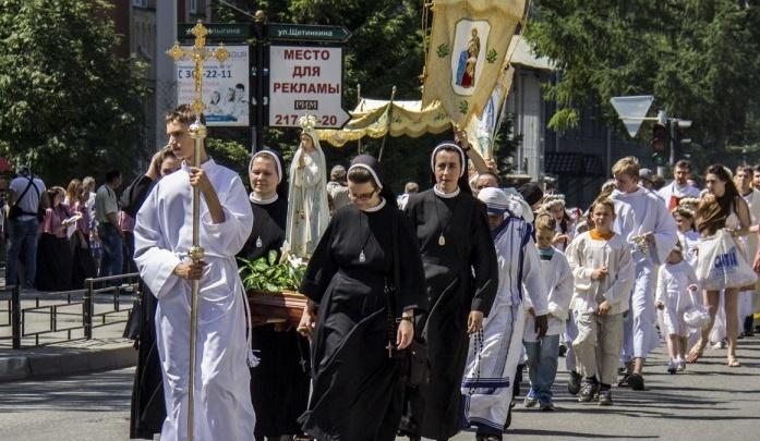 Шествие католиков на полтора часа перекроет улицы в центре Новосибирска
