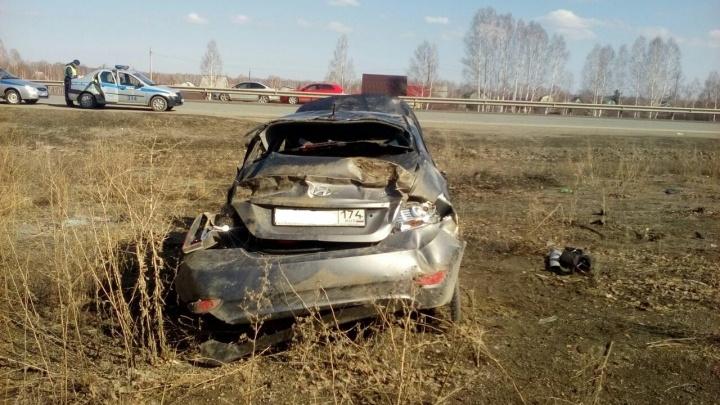 Число жертв ДТП под Челябинском с вылетевшими из машины людьми увеличилось до двух