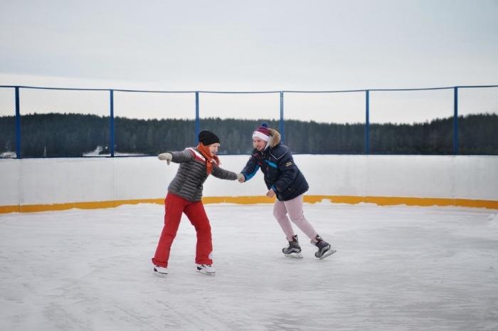 Жители «Расторгуева» вовсю наслаждаются зимними видами спорта