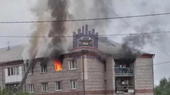 Комнаты в жилом общежитии горели на правом берегу