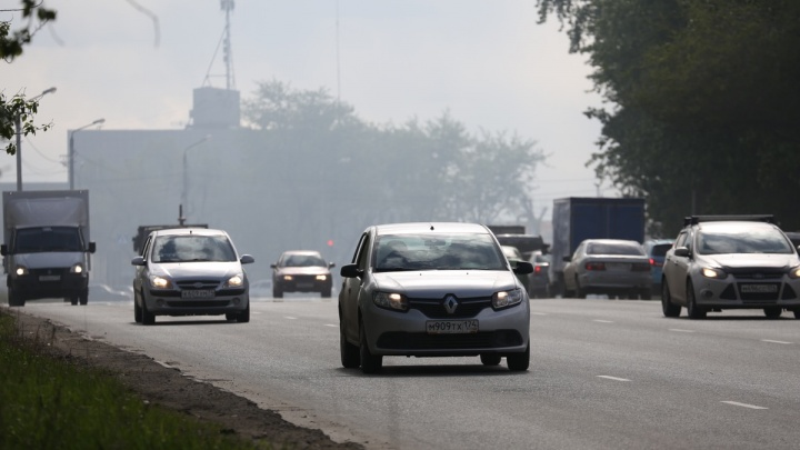«Виноваты машины»: суд отказался закрыть цех ЧЭМК, рядом с которым уловили выбросы вредного газа