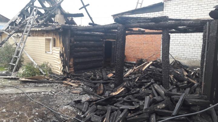 Подожгли дом тюменского руководителя рыбохраны. Версии: месть «рыбной мафии» или конфликт с властью