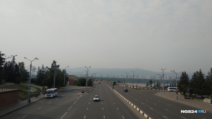 Дымка с запахом гари накрыла Красноярск