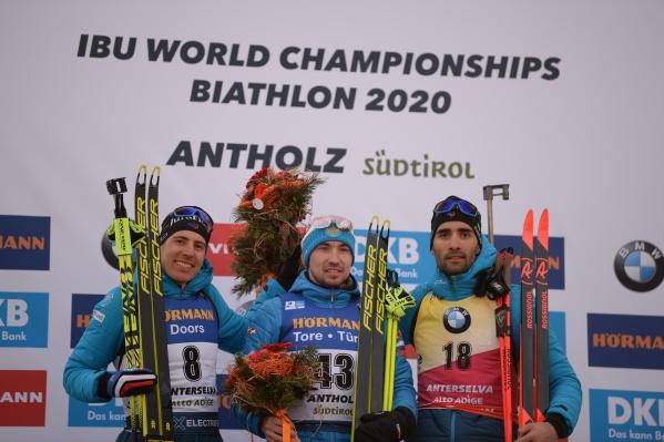 Наш Александр Логинов финишировал первым, Квентин Фийон Майе — вторым, а Мартен Фуркад — третьим