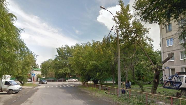 Тюменец наRange Rover сбил 1 сентября школьника, который переходил дорогу по «зебре»