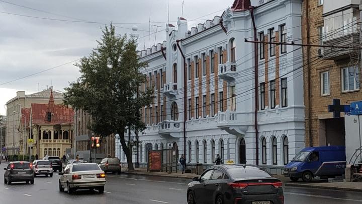 Дворец в центре: показываем здание Главпочтамта после реконструкции
