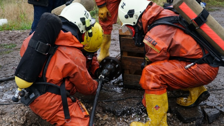 «Слабоумие и отвага»: пермские спасатели сняли шуточный ролик о своей работе