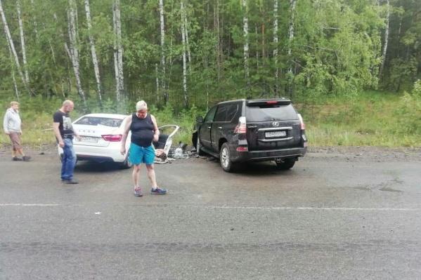Lexus бывшего вице-губернатора и гендиректора «Рависа» Андрея Косилова столкнулся с «Ладой» на загородной дороге в Челябинской области 28 июля